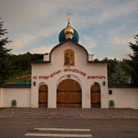 Святой Троицы-Кирилло-Мефодиевский монастырь. Закарпатская обл, г.Свалява :: Vasiliy Sorokhan