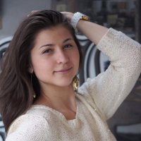 Портрет молодой девушки :: Сергей Михальченко