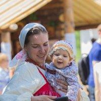 Смотри малыш, на фото твой..папа!! :: Дмитрий Сушкин