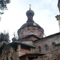 старинная церковь :: Ленор Ленорова)))