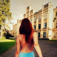 Пойдем со мной. Ты пожалеешь, но тебе понравится. :: Ann Venglovska