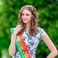 Портрет выпускницы 2014 года. :: Анатолий Клепешнёв