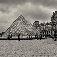 Пирамиды Лувра :: Лидия Цапко