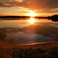 Закат над рекой . :: Hаталья Беклова