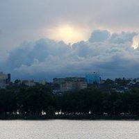 Облака на закате :: Юрий Стародубцев