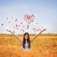Сердце из маковых лепестков почти настоящее :: Валентина Матвеева