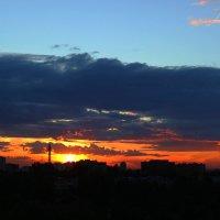 Вид из окна на прекрасный закат.. :: Lana Dob