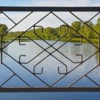 Рисунок на мосту :: юрий Амосов