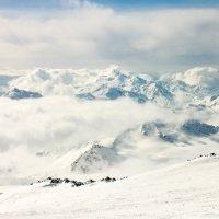 Эльбрус. Близ скал Пастухова. Высота - около 4800м :: Anna Lipatova