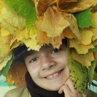 Девочка с листьями! :: Александр Яковлев  (Саша)