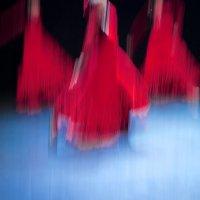 Танец. :: Олег Карабаш