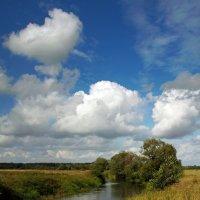 Облака над рекой :: Сергей Михайлович