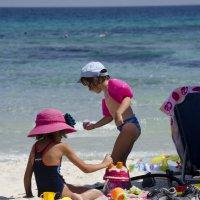 Дети на пляже :: Сергей Лошкарёв