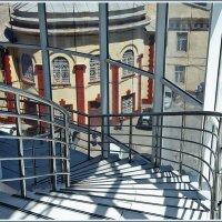 Вниз по лестнице :: Юрий Муханов
