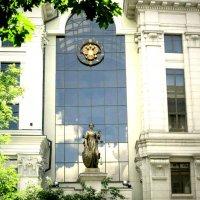 Верховный Суд. Вид сбоку. :: Василий Батурин
