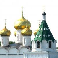 Купола Ипатьевского монастыря :: Александр Надежин