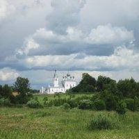 Белый храм. :: Михаил Попов