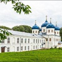 Крестовоздвиженский собор  Свято-Юрьева монастыря, 11 век :: Евгений Никифоров