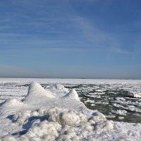 Зимний морской пейзаж :: Raisa Ivanova