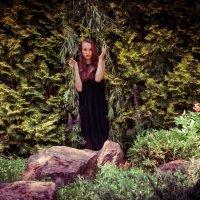 в саду :: Вера Аверьянова