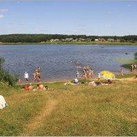 Дикий пляж у озера Шевено. :: Роланд Дубровский