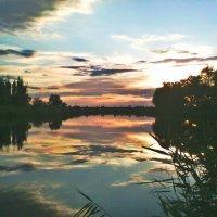 Закат над рекой :: Даша Шумакова