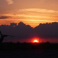 Рано утром на аэродроме :: Александр Пронь