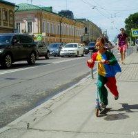 Жизнь  на  асфальте... :: Игорь Пляскин