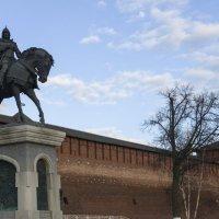 Димитрий у стен Кремля :: sorovey Sol
