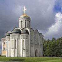 Дмитровская церковь :: Виталий Авакян