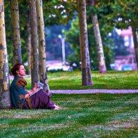 В парке :: Георгий Долаберидзе