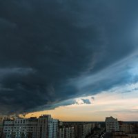 Столкновение циклона и антициклона :: Михаил Бояркин