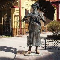 Памятник Раневской в Таганроге. :: Ирина Прохорченко