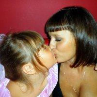 Мама и дочка... :: Наталья Агеева
