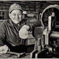 Трудяга кузнечного цеха :: Андрей Дубровин