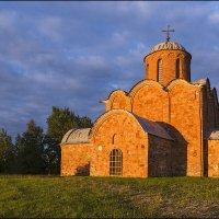 Оранжевый закат на красном :: Евгений Никифоров