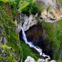 Водопад на реке Малка :: Елена Шемякина