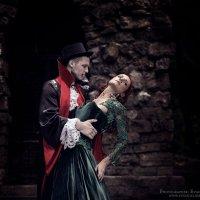 Вампир :: Евгений Лосев