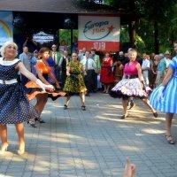 Кружатся в танце :: Ростислав