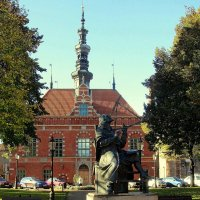 Памятник Яну Хевелиусу :: Сергей Карачин
