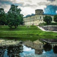 У дворца :: Игорь Вишняков