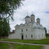 Собор Положения риз Божией Матери  в Ризоположенском монастыре :: Galina Leskova