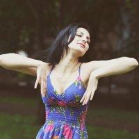 Танцы :: Полина Гончарова
