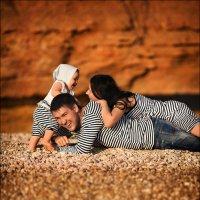Родители, которым повезло с ребёнком, обычно имеют ребёнка, которому повезло с родителями :) :: Алексей Латыш
