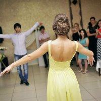девушка в полете танца... :: Батик Табуев