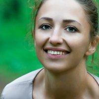 От ее улыбки мир становится светлее :: Сергей Фролов