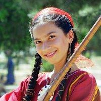 Девочка с дутаром :: Ахмед Овезмухаммедов