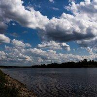 Взгляни на небо,посмотри как плывут облака.... :: Екатерина Кузнецова