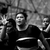 На сцене хор из Филиппин :: MVMarina