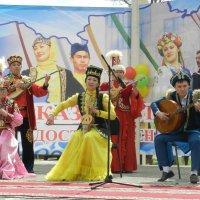 На празднике СОДРУЖЕСТВА 1мая Казахстан :: Николай Сапегин